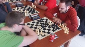 Manuel Alanís pierde contra Luis García