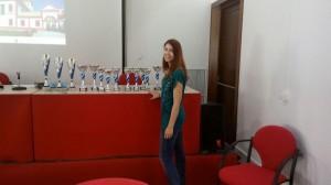 Sara, la novia de Sergio, que también ayudó en el montaje